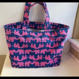 """LILLY PULITZER NWT """"Pack your Trunk"""" Beach tote"""